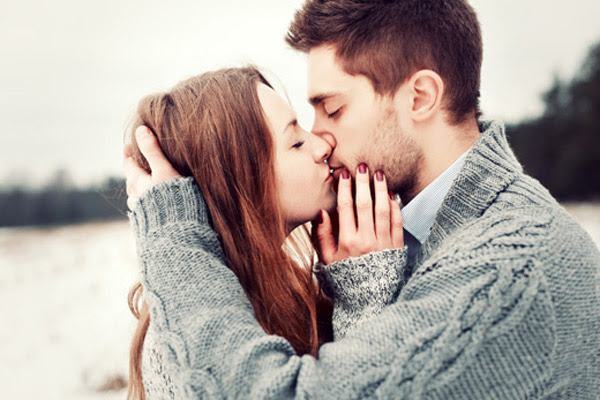 Christmas Kissing Good For Health Women Fitness