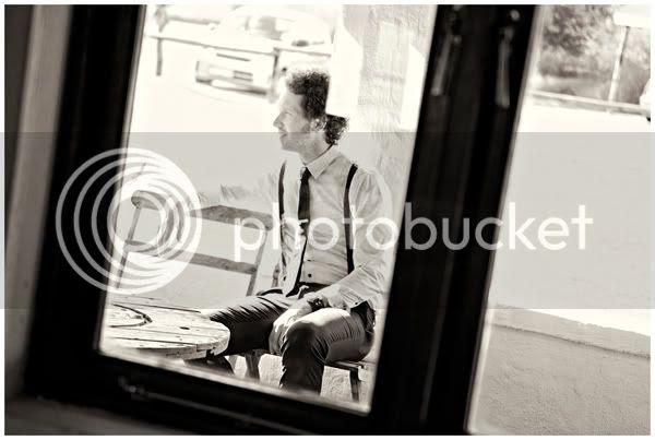 http://i892.photobucket.com/albums/ac125/lovemademedoit/dj022-1.jpg?t=1279400717