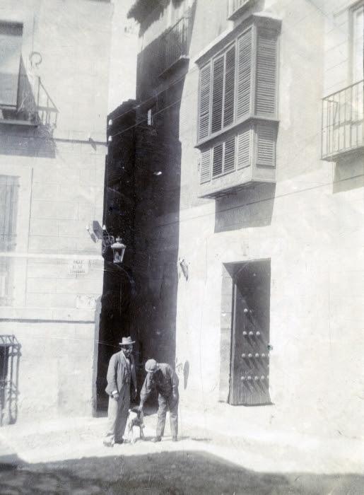Calle de la Sinagoga en junio de 1905. Fotógrafo anónimo. Colección Luis Alba. Ayuntamiento de Toledo