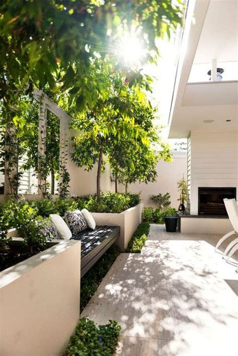 small courtyards ideas  pinterest small