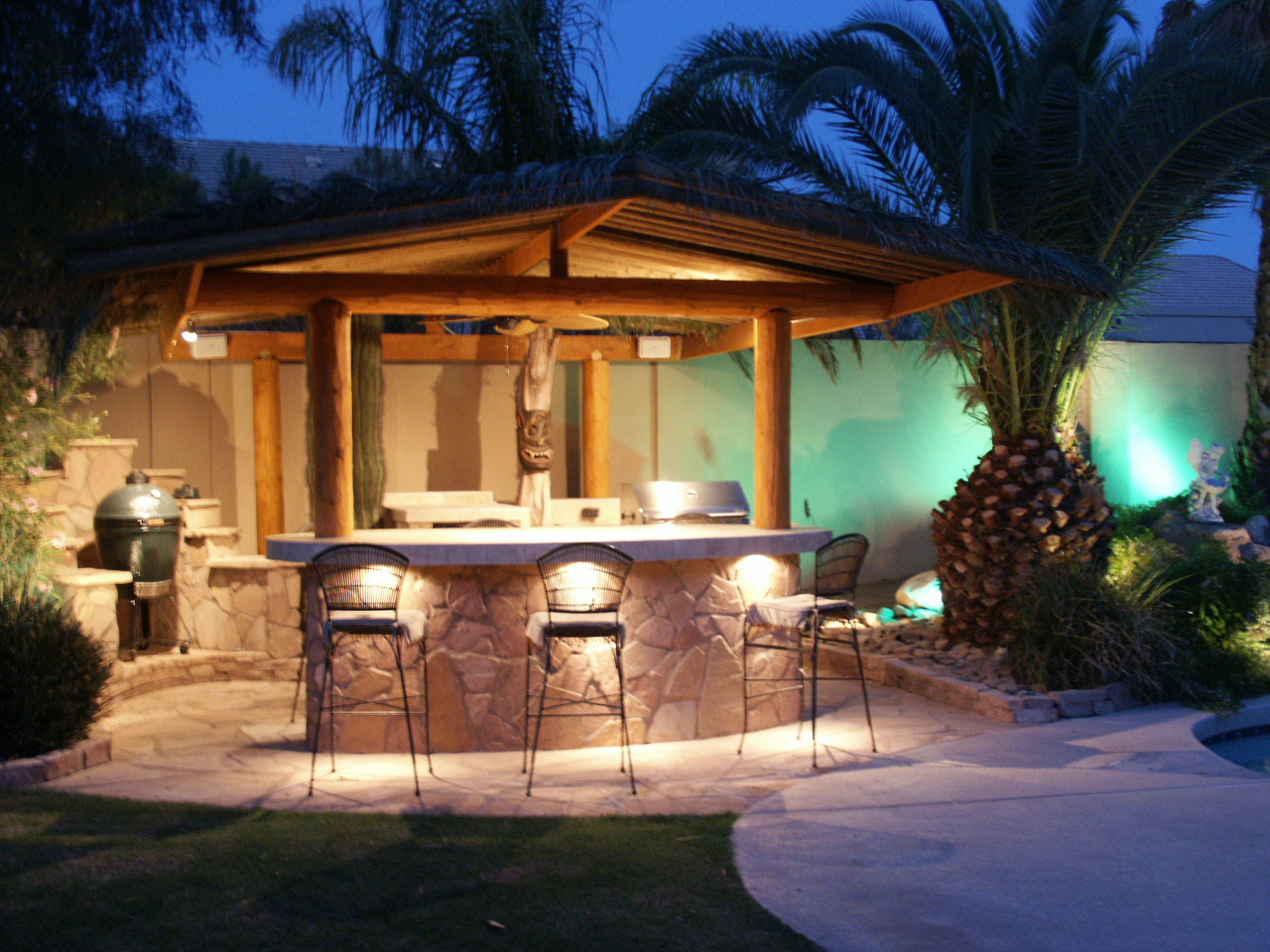 Outdoor Kitchen Island Designs