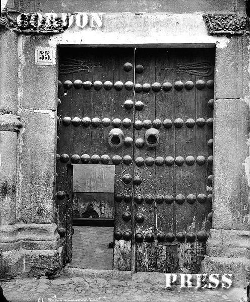 Puerta del Convento de San Antonio de Toledo hacia 1875-80. © Léon et Lévy / Cordon Press - Roger-Viollet