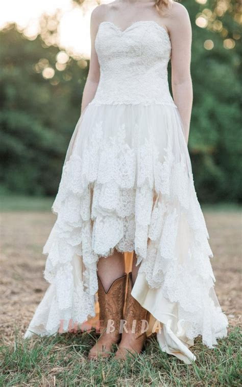 Best 20  Country wedding gowns ideas on Pinterest   Rustic