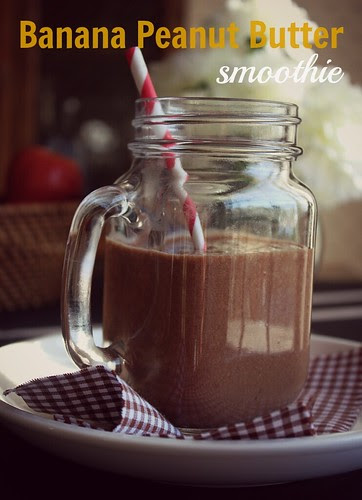 Banana Peanut Butter Smoothie by Fitri D. // Rumah Manis