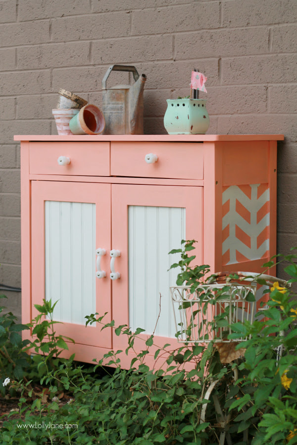 Pretty painted DIY rolling garden cart | via lollyjane.com
