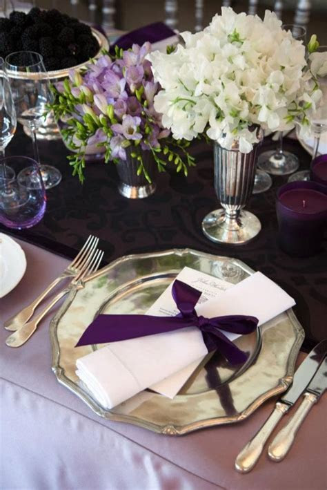 Lilac tablecloth with plum table runner/napkins, champagne