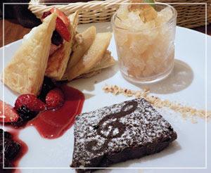 高円寺「TEA MARKET Gclef」にて、全部紅茶味!のデザートプレート♪