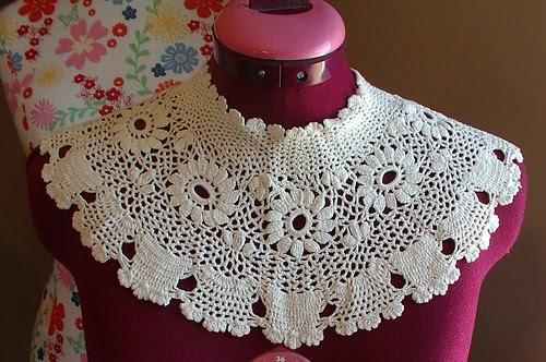 antique/vintage collar
