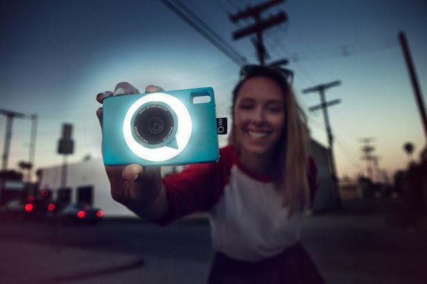 Câmera é portátil e funciona com chip (Foto: Divulgação)