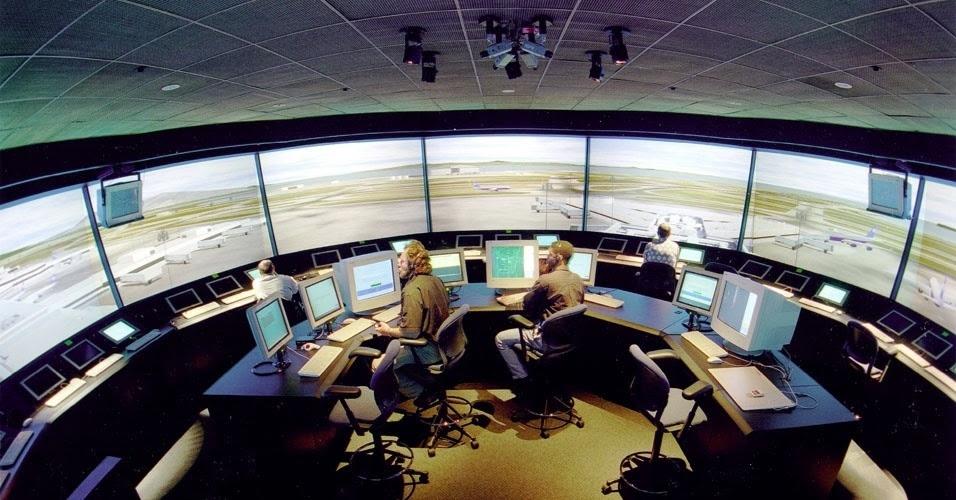 Image result for imagem de nave espacial em aeroportos