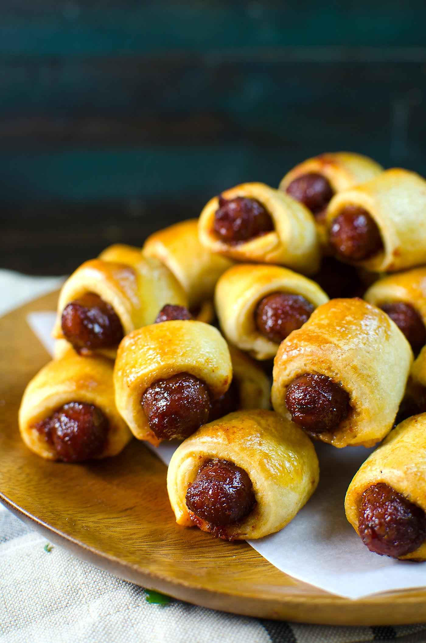 Sweet And Spicy Pigs In A Blanket With A Spicy Cheese Dip The Flavor Bender