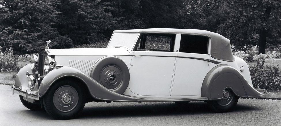 64-Rolls-Royce-Phantom