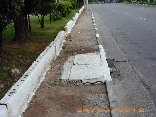Calçada irregular