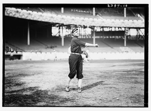 [Art Fletcher (New York NL) prior to the World Series at the Polo Grounds, NY, 1911 (baseball)] (LOC), Hi Res Wallpaper, Free desktop computer wallpapers of cars,ect