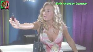 Sofia Arruda sensual na novela Anjo meu