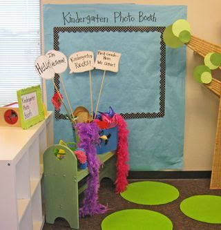 """OMG how cute is this! If my students came to open house and their parents had smart phones! """"Photo Booth! What a great idea for a back-to-school open house!"""""""