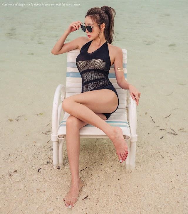 Hyun Kyung - Mustkint Monokini