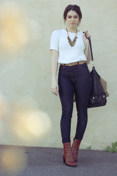 Tawny-beau-coops-boots-navy-high-waisted-claude-maus-jeans_400