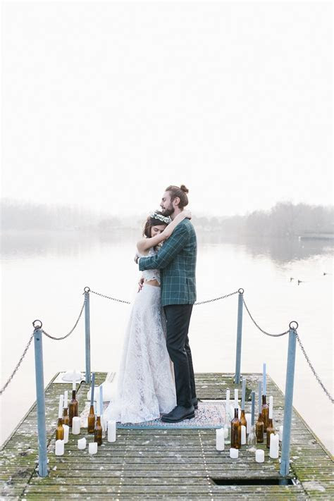 A Romantic Italian Elopement on Viverone Lake   Chic