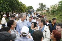 Prefeito visitou obras de drenagem e pavimentação na rua Tomé  Antonio Souza