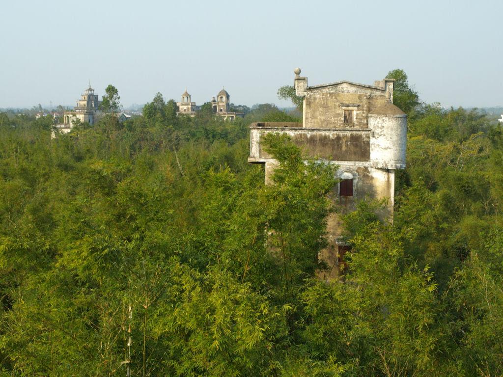 Torres no estilo europeu foram erguidas no meio da China 08