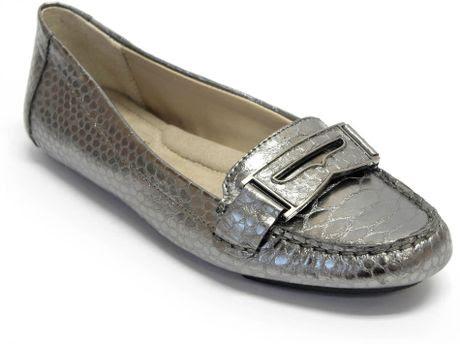 Ellen Tracy Nashoba Penny Loafers in Silver (silver snake ...