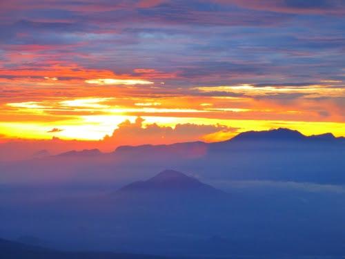 Sunrise view@Mahameru