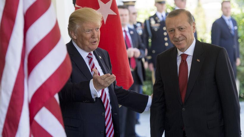 http://img.zeit.de/politik/ausland/2017-05/trump-erdogan-treffen-washington/wide__820x461__desktop