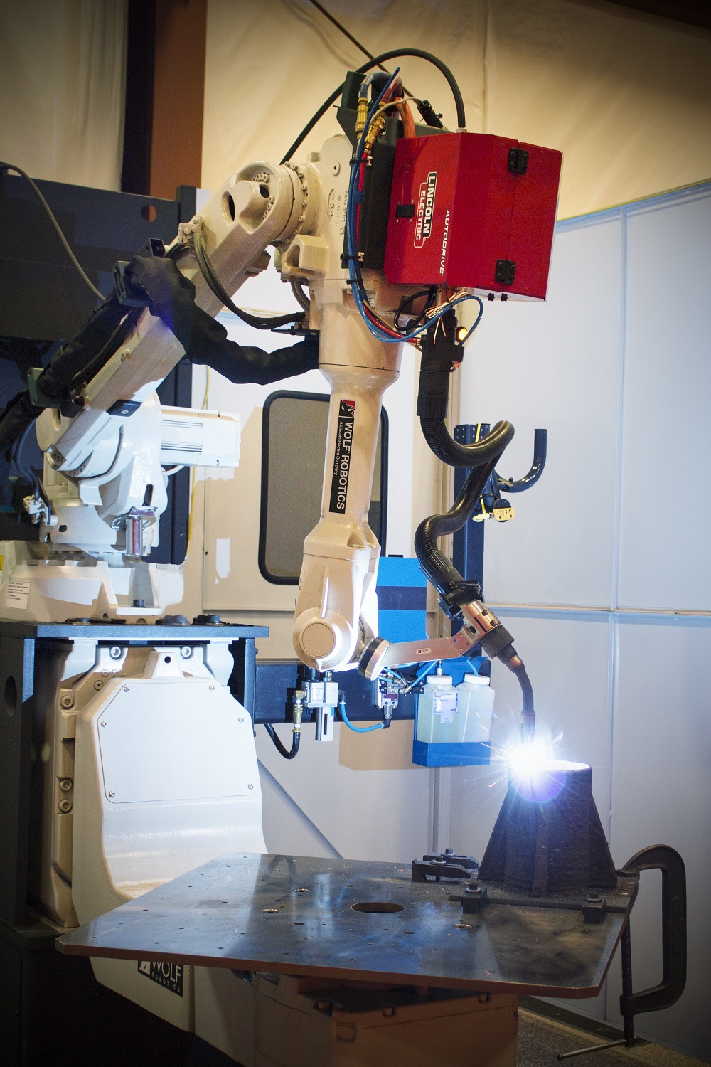 Robotic Big Area Additive Manufacturing