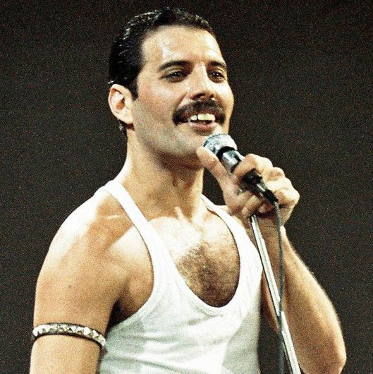 COLOURFULWORLD: Happy Birthday Freddy Mercury and Happy