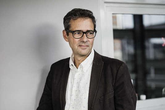 Laurent Cohen, né le 14 avril 1960 à Paris, est un médecin spécialiste et professeur des universités françaises, notamment à l'université Pierre et Marie Curie. La neurologie est sa spécialité. Le 12 septembre 2017 à l'Hôpital de la Salpêtrière.
