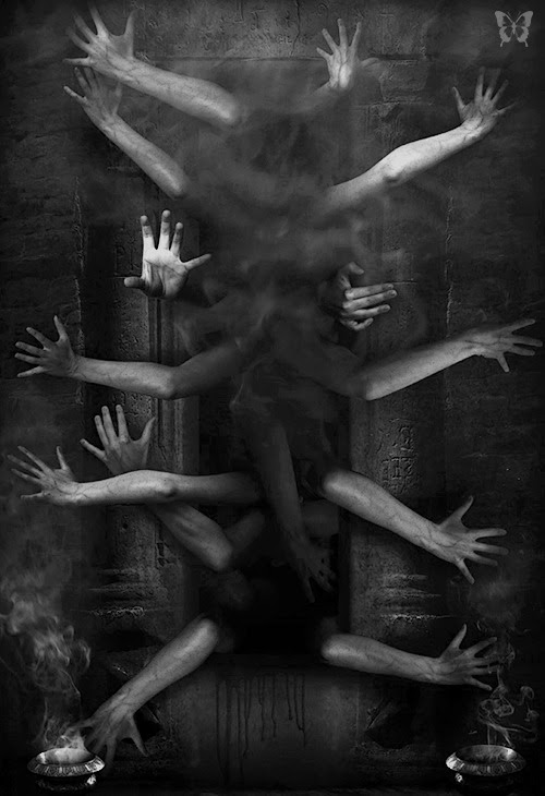 whitesoulblackheart:  PERFECT PICTURE FOR THE DEADLY FIREPLACE AT END HOUSE, BODY PARTS FLEW OUT FROM THE FLAMES. SPLASHING BLOOD AT THE HORRIFIED GUESTS. GUESTS TO A PARTY THROWN FOR THEM. BUT WAS THERE A PARTY? OR JUST DEATH. THE DEAD GAME HAS BEGUN.