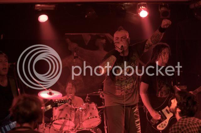 http://i911.photobucket.com/albums/ac315/reorgart88/enco.jpg