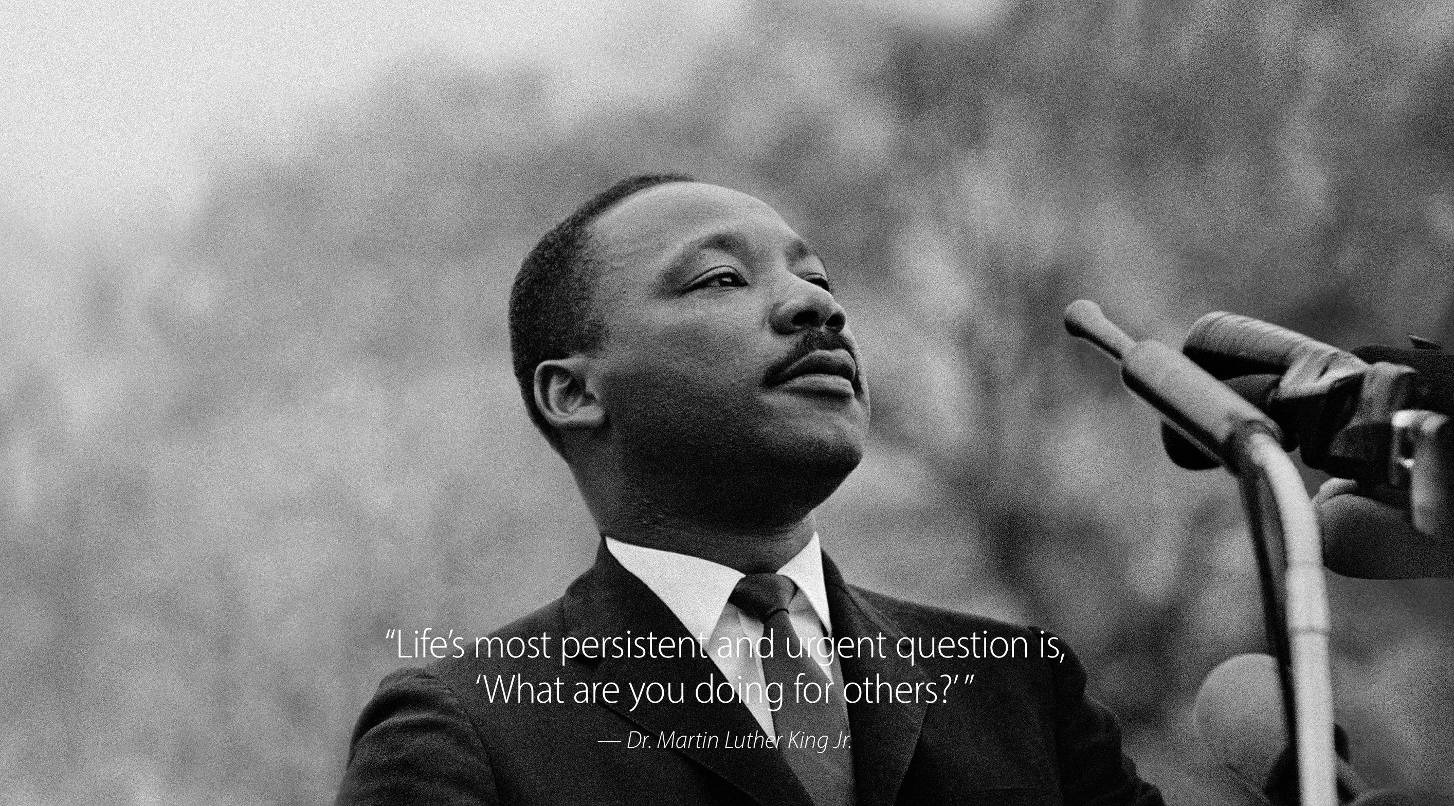 Get An Inspirational Martin Luther King Jr Quote Wallpaper From Apple
