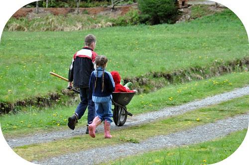 Wheelbarrow ride