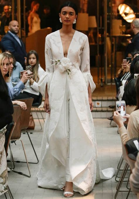 Meghan Markle wedding dress predictions: Will she push the