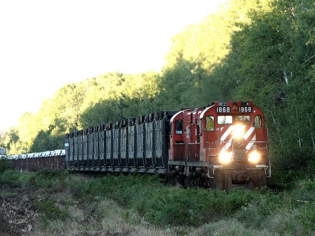 NBEC 1868 and the empty ore train on the Nepisiguit Subdivision