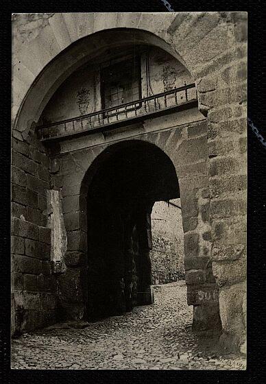 Puerta de Valmardón de Toledo. Foto González Nieto hacia 1930