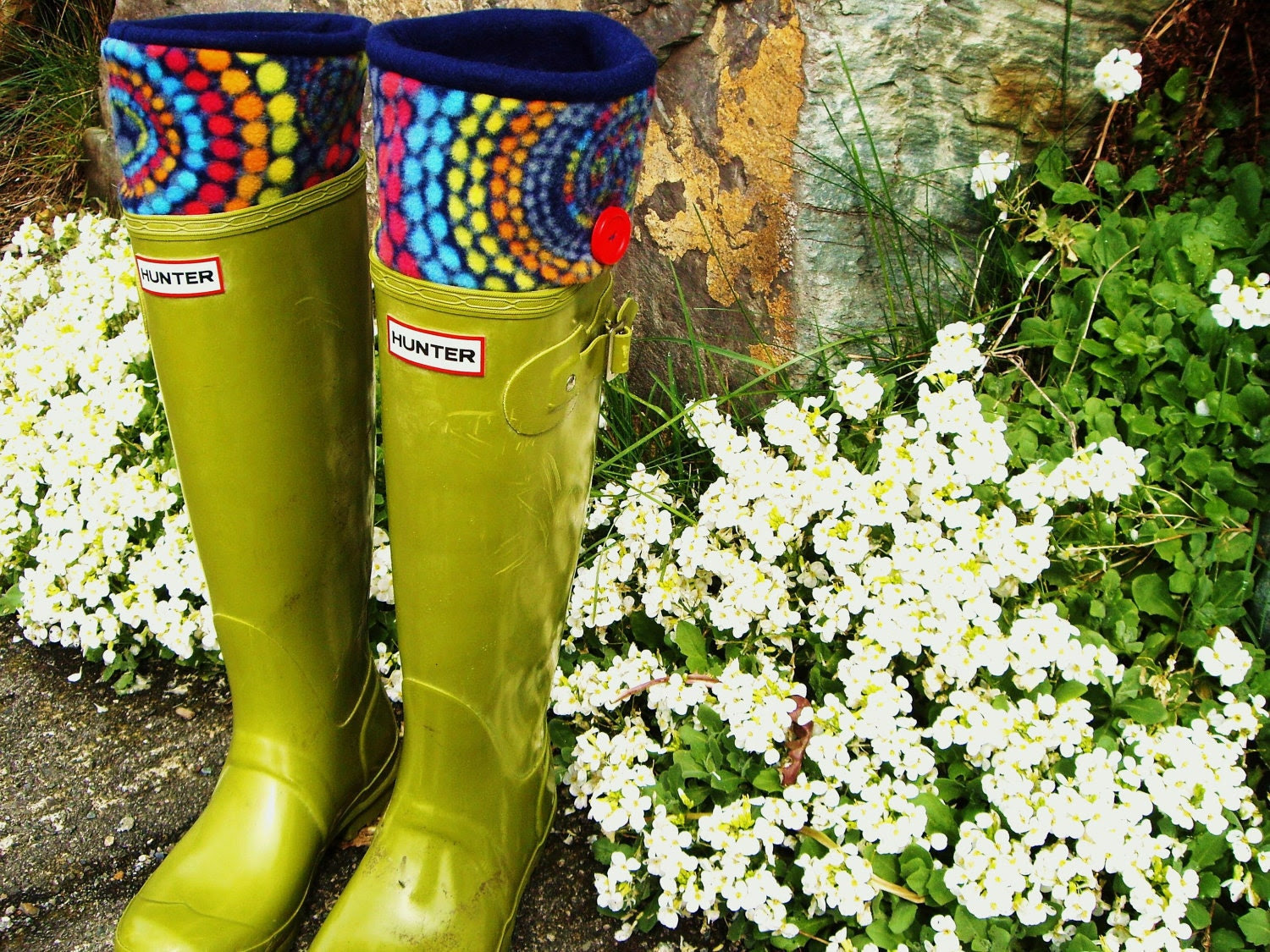 SLUGS Fleece Rain Boot Liners Navy In Rainbow Geometric Circle Pattern Cuff, Spring Fashion, Gardening Style, Outdoors (Sm/Med 6-8 Boot)