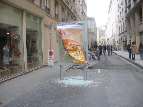 Advertisement destroyed