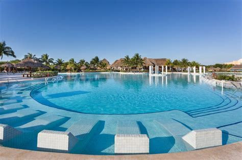 Grand Palladium White Sand Cheap Vacations Packages   Red