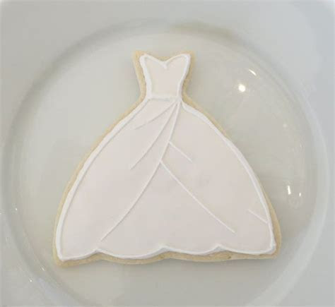 Best 25  Decorated wedding cookies ideas on Pinterest