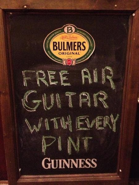 40 Funny And Creative Bar Signs That'll Make You Step In And Grab A Drink