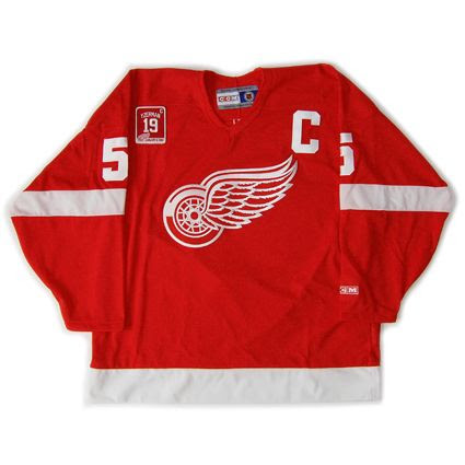 Detroit Red Wings 2006-07 jersey photo Detroit Red Wings 2006-07 F.jpg