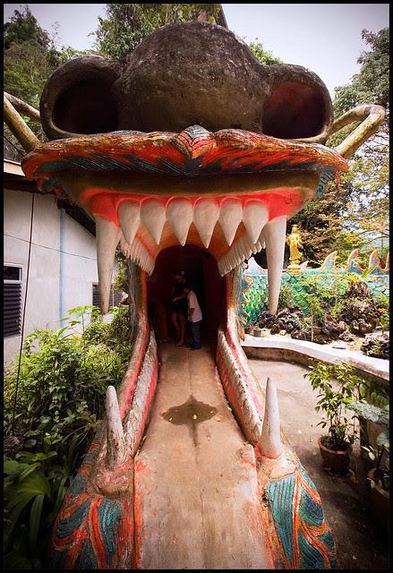Entrance to hell at Wat Thamtapan
