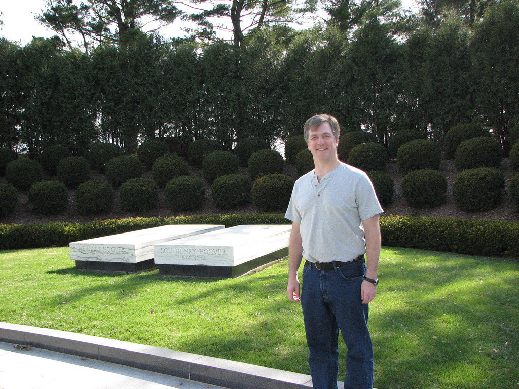 Your blogger at the gravesite of Herbert and Lou Henry Hoover