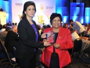 Ligia Amada fue reconocida durante el XIX Congreso Internacional de Educación Superior Aprendo 2015 de Educa, al cual ha asistido durante 18 años seguidos.