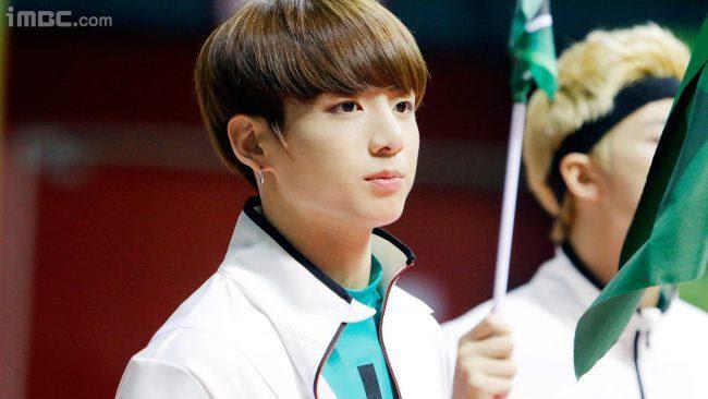 Top 5 behindthescenes photos of male KPop idols at IAC — Koreaboo
