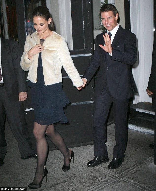 http://i.dailymail.co.uk/i/pix/2011/12/20/article-2076397-0F3B15CC00000578-348_634x774.jpg