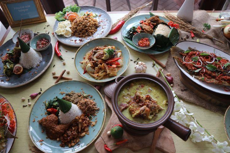 Beragam menu asli Indonesia di Restoran Mendjangan, Kemang, Jakarta.